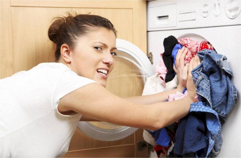 Những thói quen sai lầm khi sử dụng máy giặt