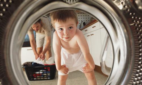 Tại sao máy giặt Electrolux vắt kêu to?
