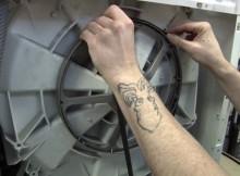 Cách thay dây curoa cho máy giặt Electrolux