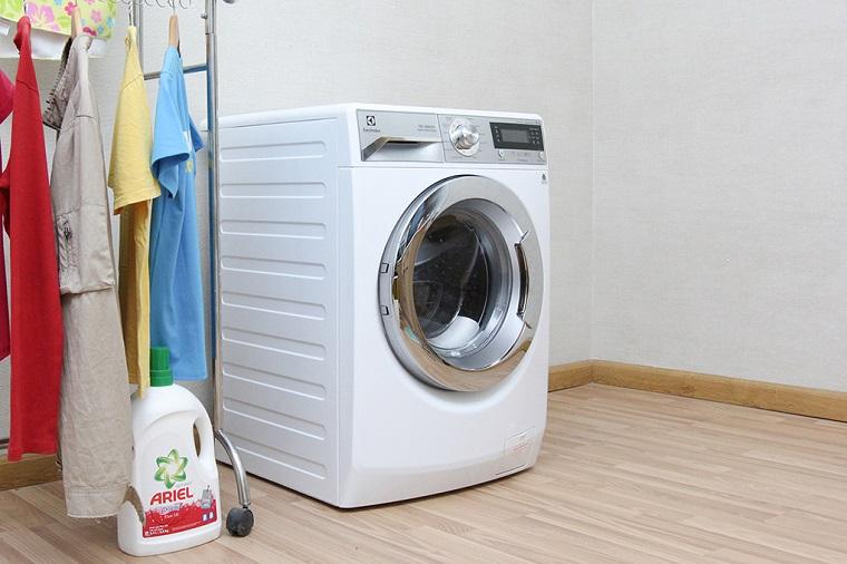 Máy giặt hơi nước Electrolux EWF12022