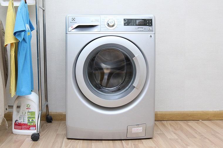Máy giặt hơi nước Electrolux