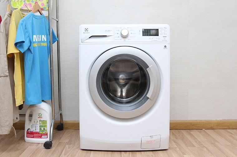 Máy giặt hơi nước Electrolux EWF12942